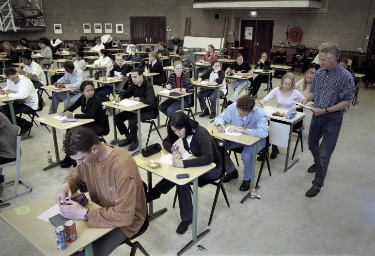 • Hofstad College Den Haag, 25 mei 2000