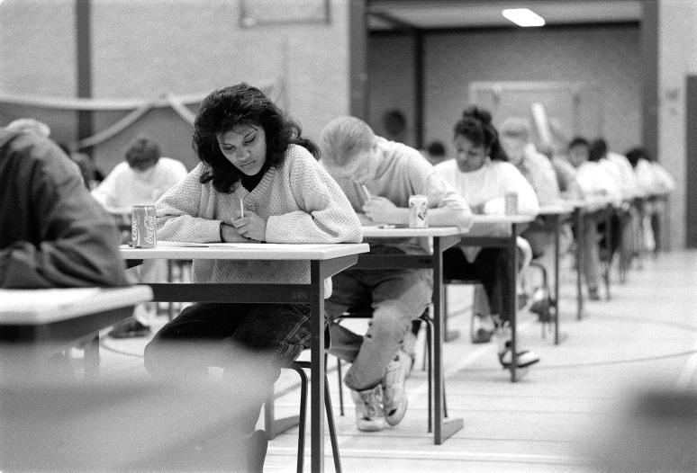 • Centraal Examen, mei 1990